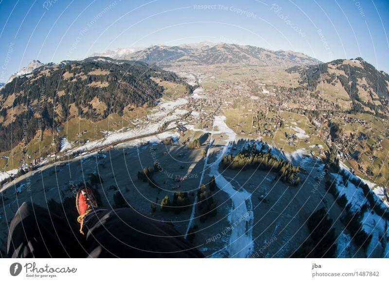 Winter Wonder Land ? Himmel Natur Erholung Landschaft ruhig Wald Berge u. Gebirge Sport Lifestyle Freiheit fliegen Fuß Horizont Freizeit & Hobby Luftverkehr