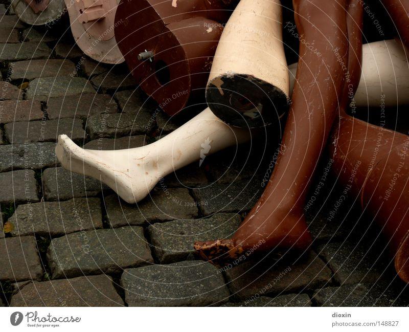 Brussels Flea Market Massacre alt weiß schwarz Beine Beine braun Dekoration & Verzierung Teile u. Stücke Ladengeschäft obskur Teilung Kopfsteinpflaster Puppe Markt Handel