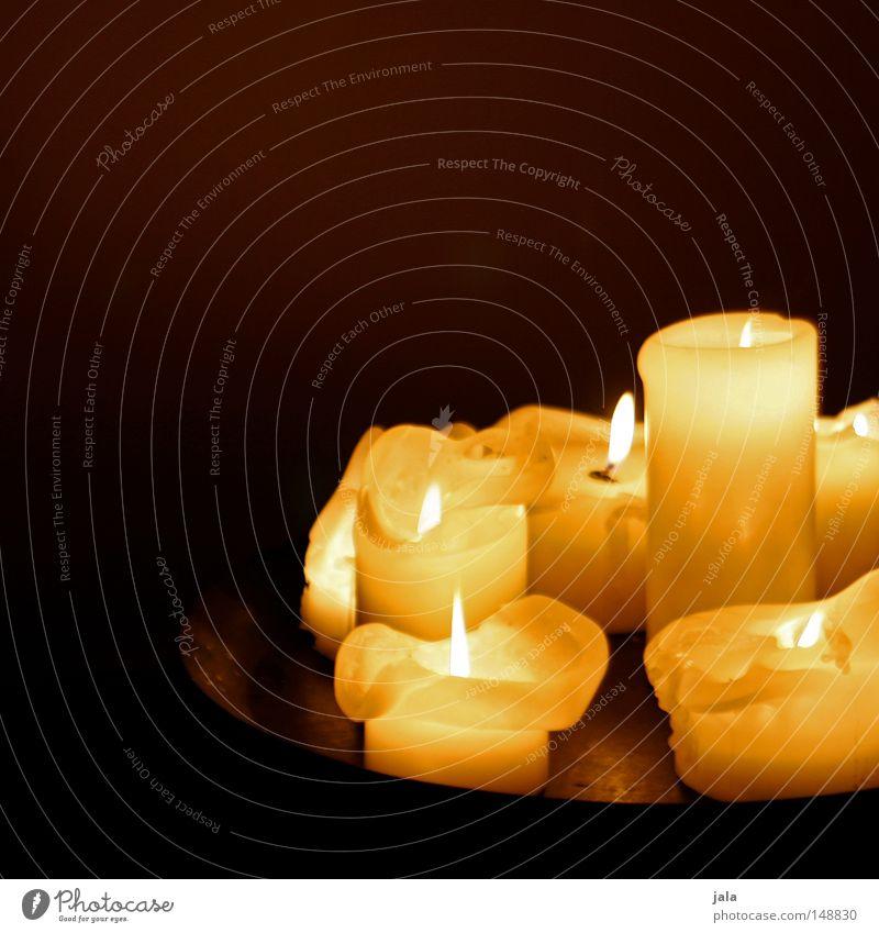 zeit der kerzen Weihnachten & Advent gelb Feste & Feiern gold Feuer Kerze Kitsch Dekoration & Verzierung Licht brennen gemütlich Zeit November verschönern