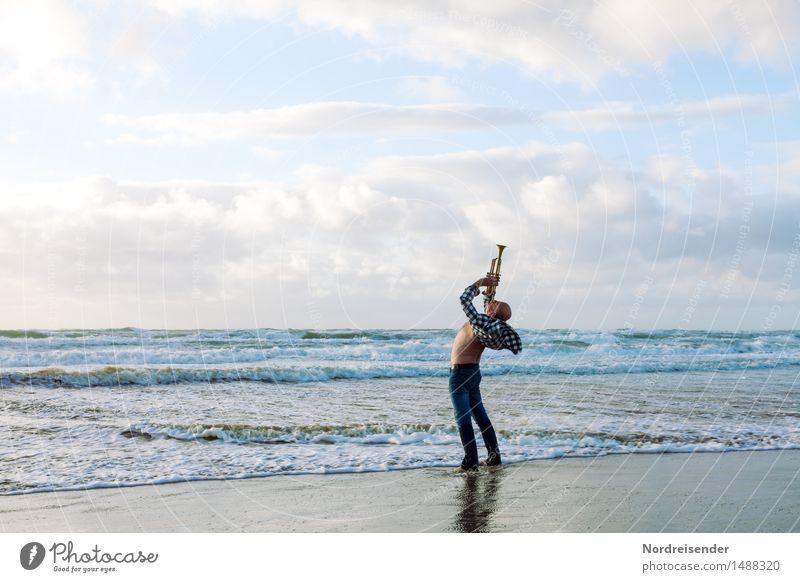 Lass es raus.... Lifestyle Stil Leben Meer Mensch maskulin Mann Erwachsene Musik Musiker Urelemente Luft Wasser Wolken Strand Nordsee schreien stehen Coolness