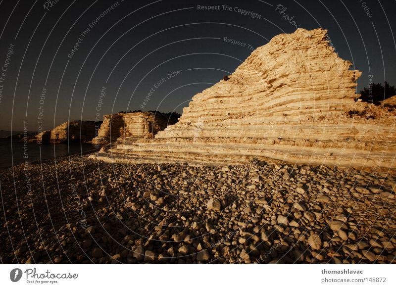 Sommer Strand Stein Küste Felsen Asien Naher und Mittlerer Osten Klippe Syrien Riff