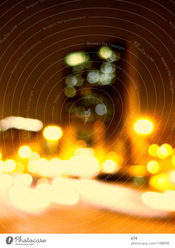 streetlights Straße Nacht Licht Stadt Verkehr Bewegung Geschwindigkeit Elektrizität Strömung fließen Physik Energie orange gelb Hochhaus hoch Haus Autobahn