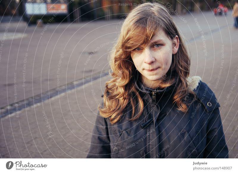 Ich weiß was ,was du nicht weißt :P Frau Mensch Jugendliche Mädchen blau Winter kalt Herbst Glück lachen Mund Wärme blond Nase Fröhlichkeit Physik