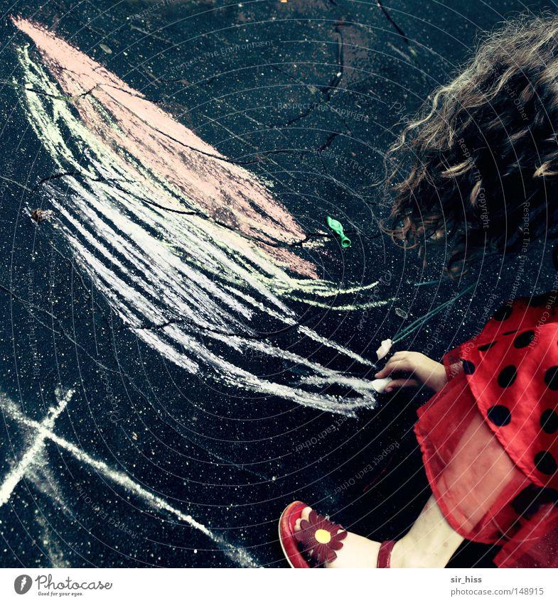 Mal mir eine Sonne! Kind Sommer Freude Straße Spielen Haare & Frisuren Kleid Punkt streichen Gemälde Kreide