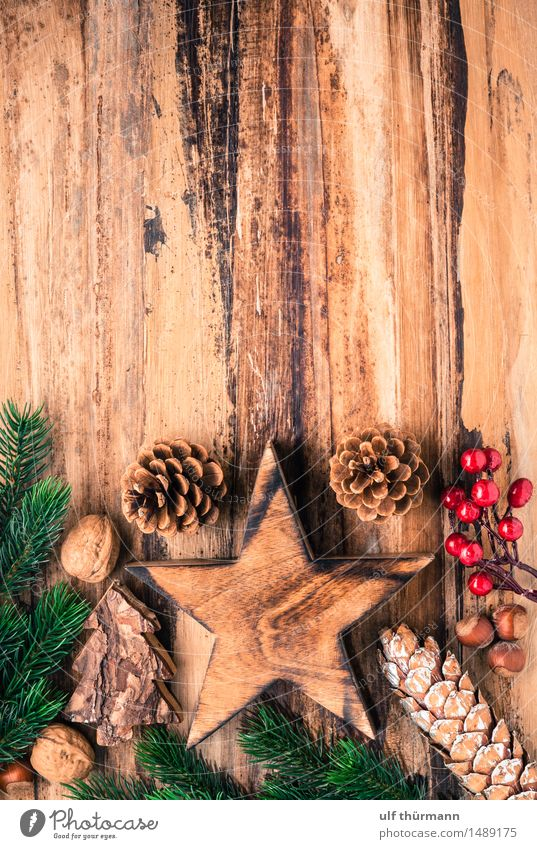 Weihnachten Hintergrund alt Weihnachten & Advent grün rot ruhig Freude Winter Liebe Gefühle Holz Feste & Feiern braun Zusammensein Wohnung Zufriedenheit