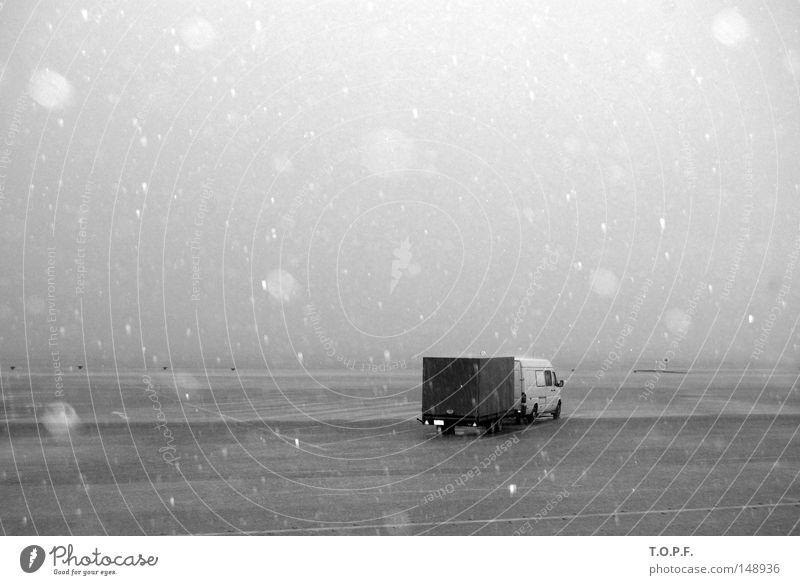 rainy days kalt Schnee Herbst Regen Wetter Hafen Lastwagen Gewitter Griechenland