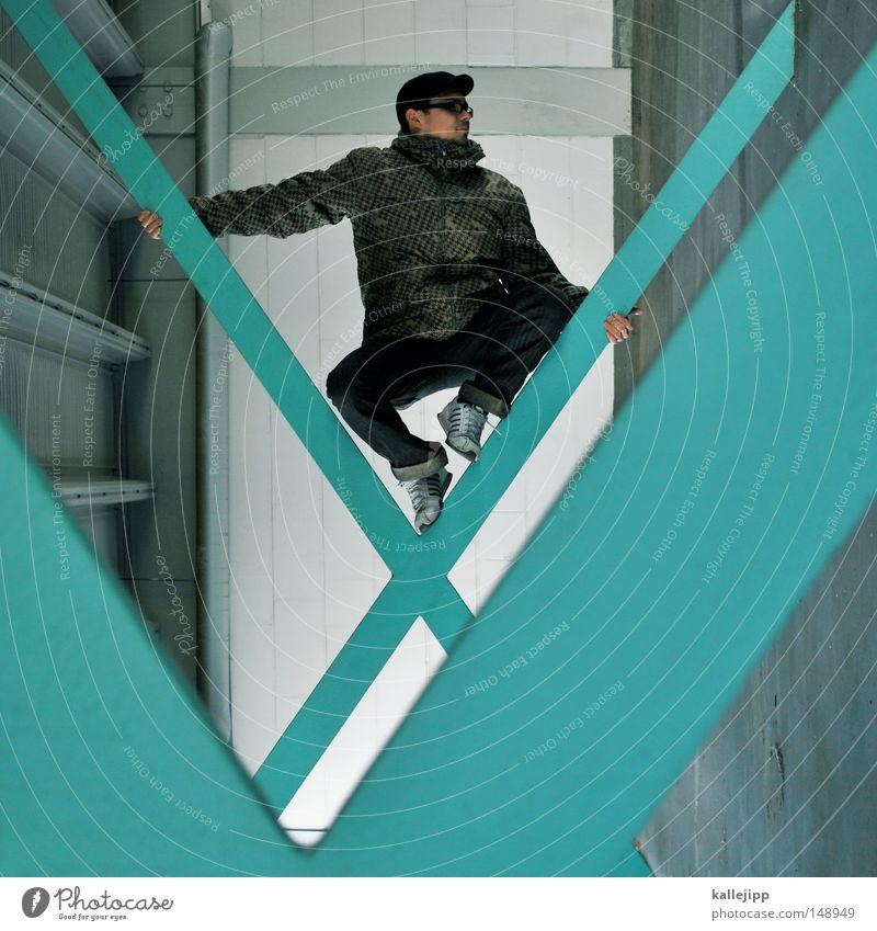 BLN 08 | jäck hängt Mensch Mann Hand Haus Fenster Berge u. Gebirge Gefühle Architektur springen See Luft Linie Tanzen Glas fliegen Fassade