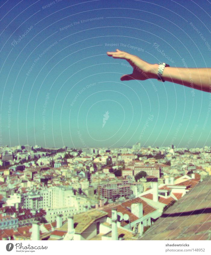 Lisboa Himmel Hand Stadt blau Ferne Haus Landschaft Bewegung Horizont Dach türkis Aussicht Verlauf Portugal Lissabon