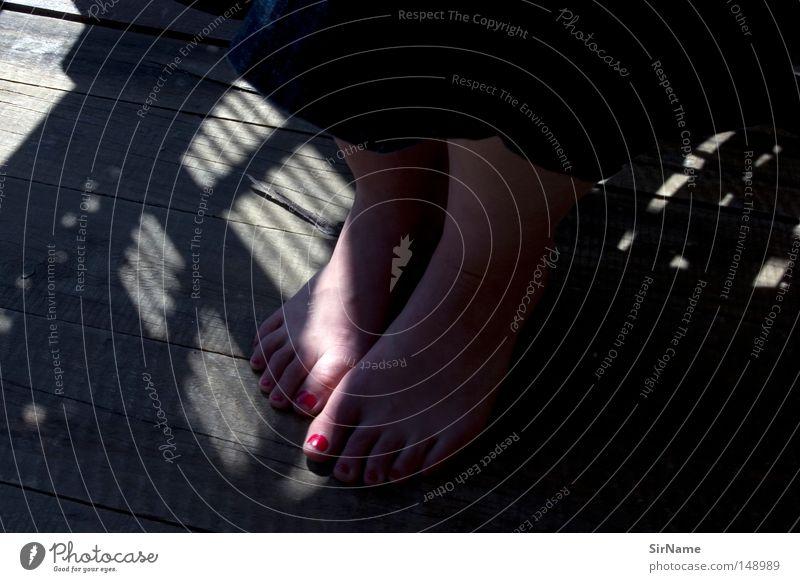 22 [sommerabendlichtfussbad] Nagellack Sommer Frau Erwachsene Fuß Wärme Balkon Vertrauen Schüchternheit Fingernagel Holzfußboden Veranda Schattenspiel