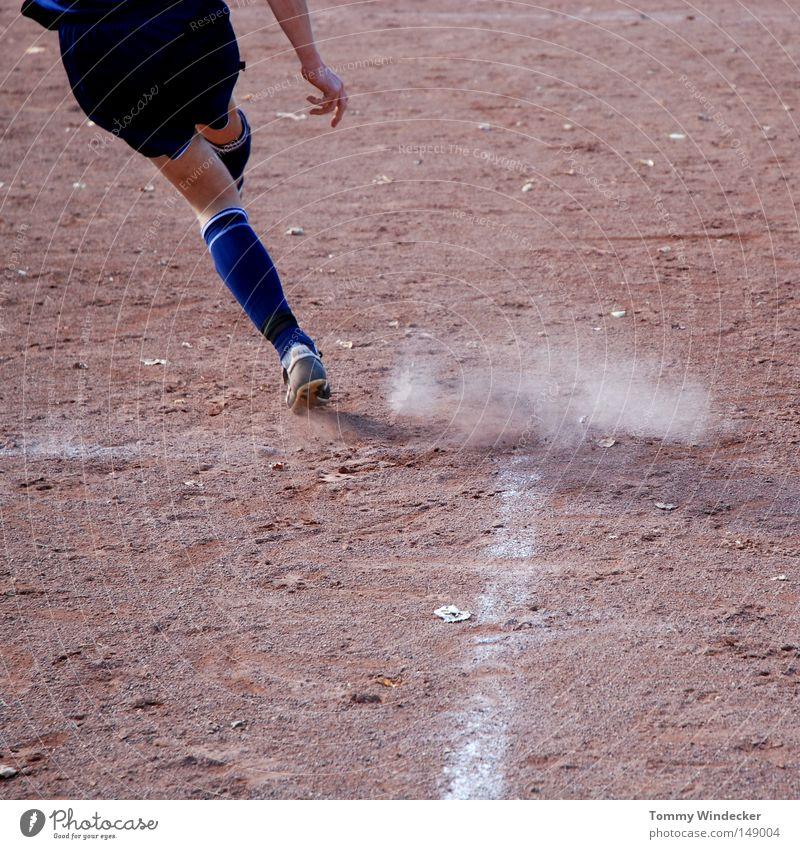 Kicker Freude Sport Spielen Beine Linie Feld Freizeit & Hobby Schilder & Markierungen Fußball rund Technik & Technologie Ball Spielfeld Golf Kreide