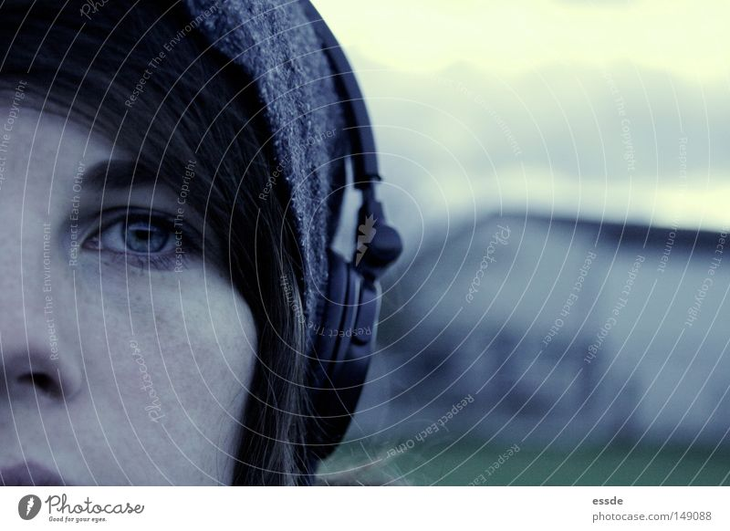 kalte sache schön blau Winter Gesicht ruhig Auge Farbe Musik träumen Traurigkeit Denken Trauer trist nah weich