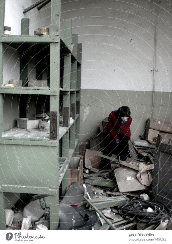 verwüstung trist kaputt Ende verfallen Verfall Vergangenheit chaotisch verwüstet