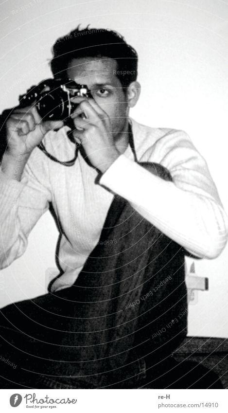 im visier des fotografen Fotografieren Mann Schwarzweißfoto
