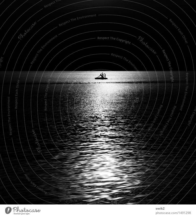 Die romantischen Buben Mensch Natur Jugendliche Sommer Wasser Erholung Junger Mann Landschaft Umwelt Wärme Spielen Glück See Zusammensein Horizont glänzend