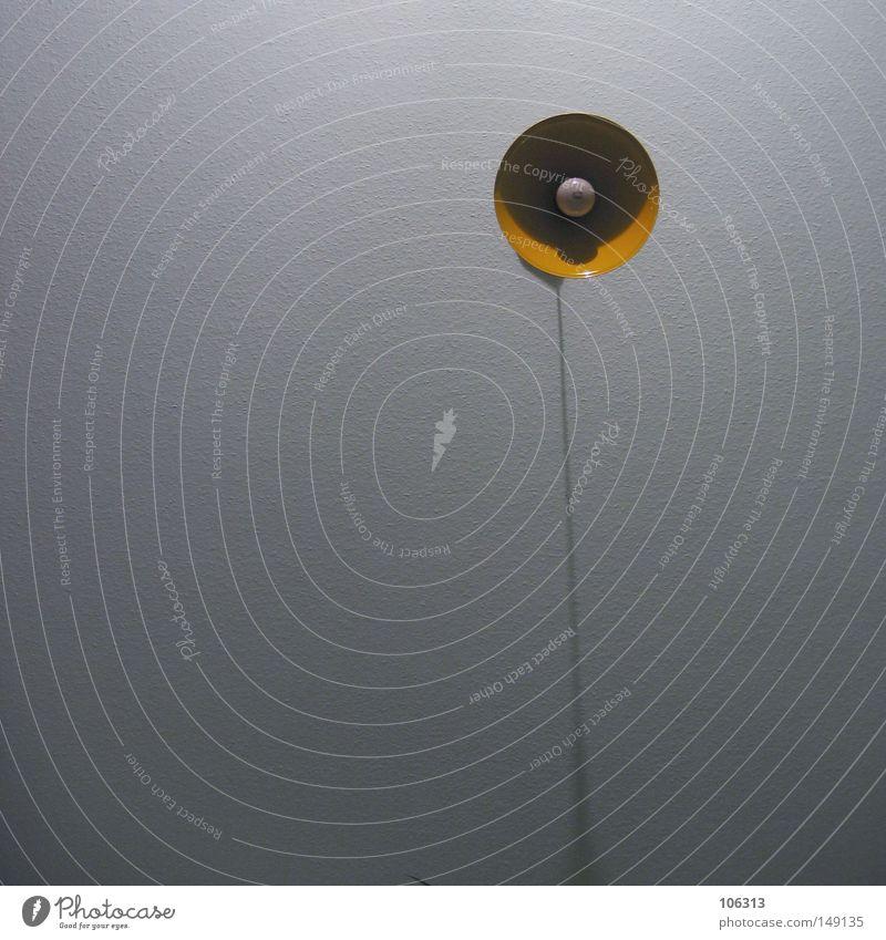 May I have your attention please? gelb Wand Lampe Energiewirtschaft Elektrizität stehen Technik & Technologie Dekoration & Verzierung außergewöhnlich Glühbirne