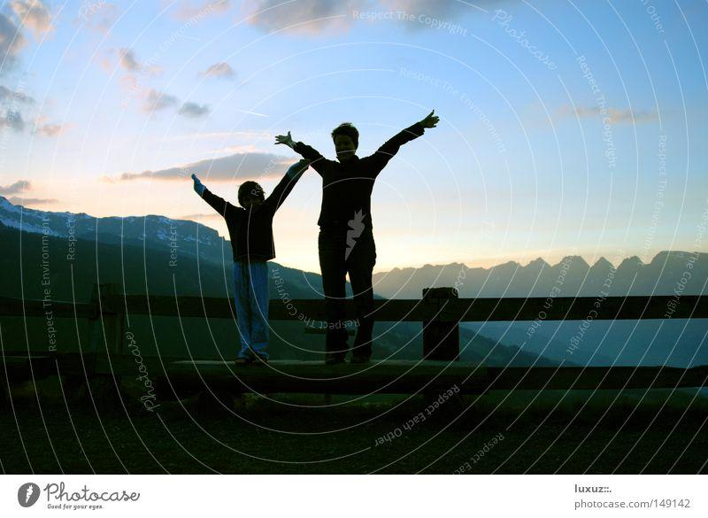 Auszeit Ferien & Urlaub & Reisen Freude Erholung Berge u. Gebirge Kraft groß Pause Wellness Alpen genießen Alm Bergkette Berghütte begleiten