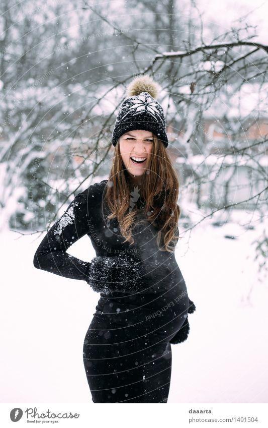mit Schnee überrascht Jugendliche schön Junge Frau Freude Winter Erwachsene Wärme Leben feminin Lifestyle Freiheit Party Design wild Freizeit & Hobby