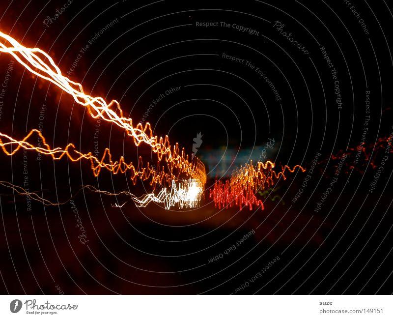 Lichtgeschwindigkeit Nachtleben Verkehrswege Straße Autobahn fahren Geschwindigkeit verrückt schwarz Farbe Beleuchtung Strahlung Elektrizität unterwegs Farbfoto