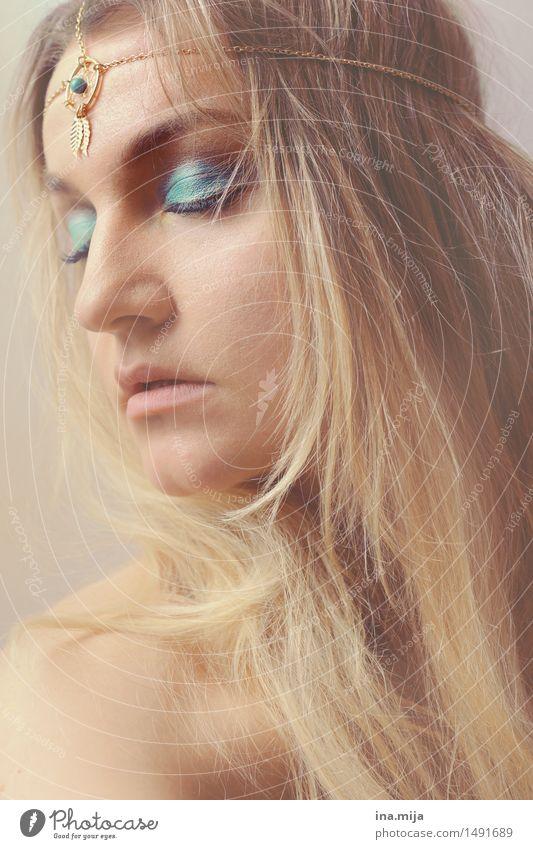 tief versunken schön feminin Religion & Glaube Haare & Frisuren träumen elegant ästhetisch authentisch fantastisch einzigartig Hoffnung Unendlichkeit Sehnsucht