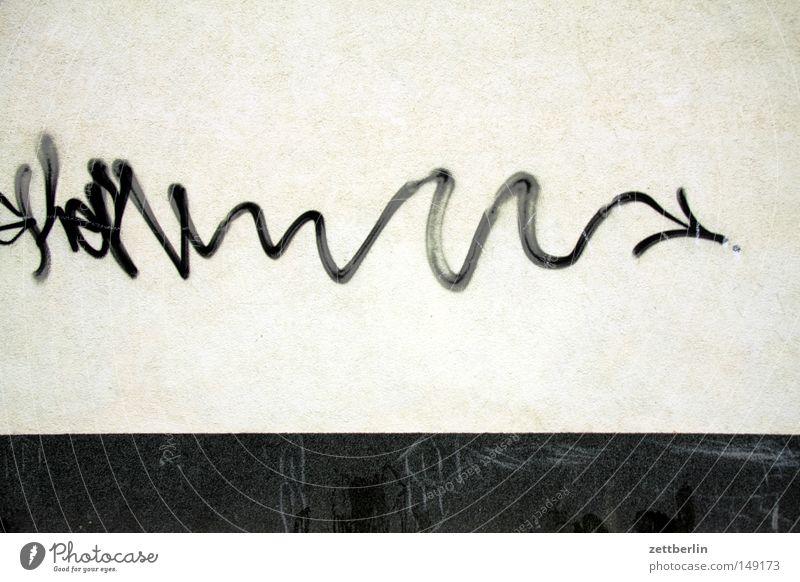 Lebenslauf Linie Schlangenlinie biegen Kurve Pfeil Pfeile Graffiti Teigwaren Tagger beschmutzen beschmiert bemalt Vandalismus Sachbeschädigung Versicherung Haus