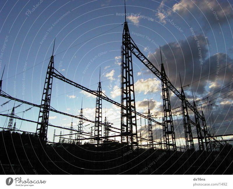 powerlines2 Altes Testament Elektrisches Gerät Technik & Technologie night. again