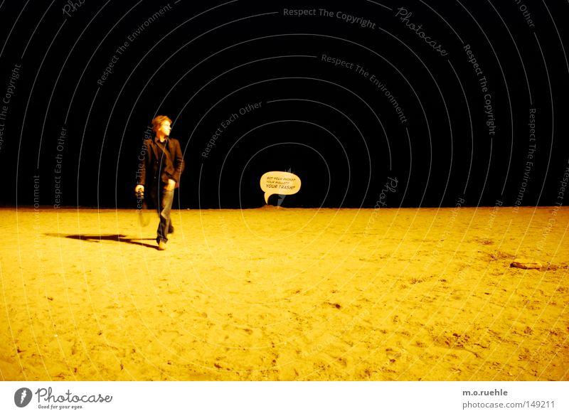 my moon, my man, my balloon Strand Mond Stil Sprechblase Barcelona Aktion Mann dunkel Meer Sand Boden schwarz gelb Küste Hinweisschild