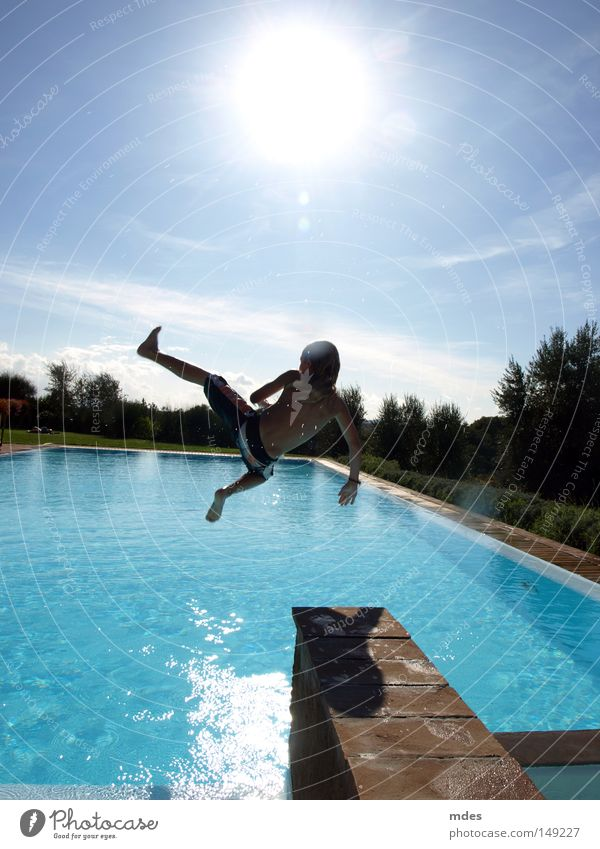jump Natur Wasser Himmel Sonne blau Freude Ferien & Urlaub & Reisen springen Schwimmbad Italien Schwimmen & Baden Toskana