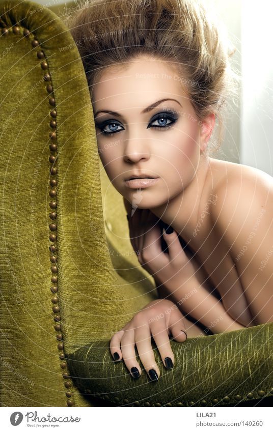 Siblee Frau blau Hand grün schwarz Auge Erotik nackt Haare & Frisuren Haut weich Kosmetik Schminke Gesichtsausdruck Friseur Friseursalon