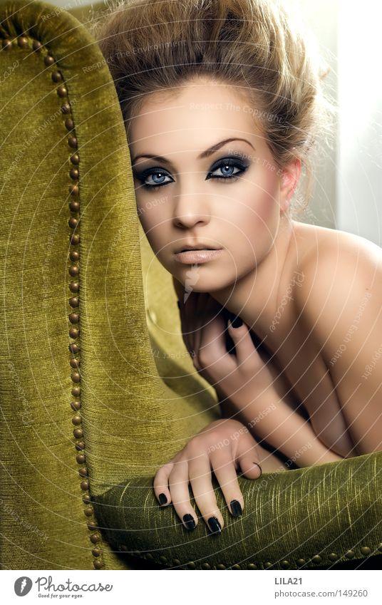 Siblee grün Sessel Pastellton Haare & Frisuren Friseur Friseursalon Schminke Auge blau Gesichtsausdruck Erotik Sexappeal schwarz Nagel Hand nackt Haut weich
