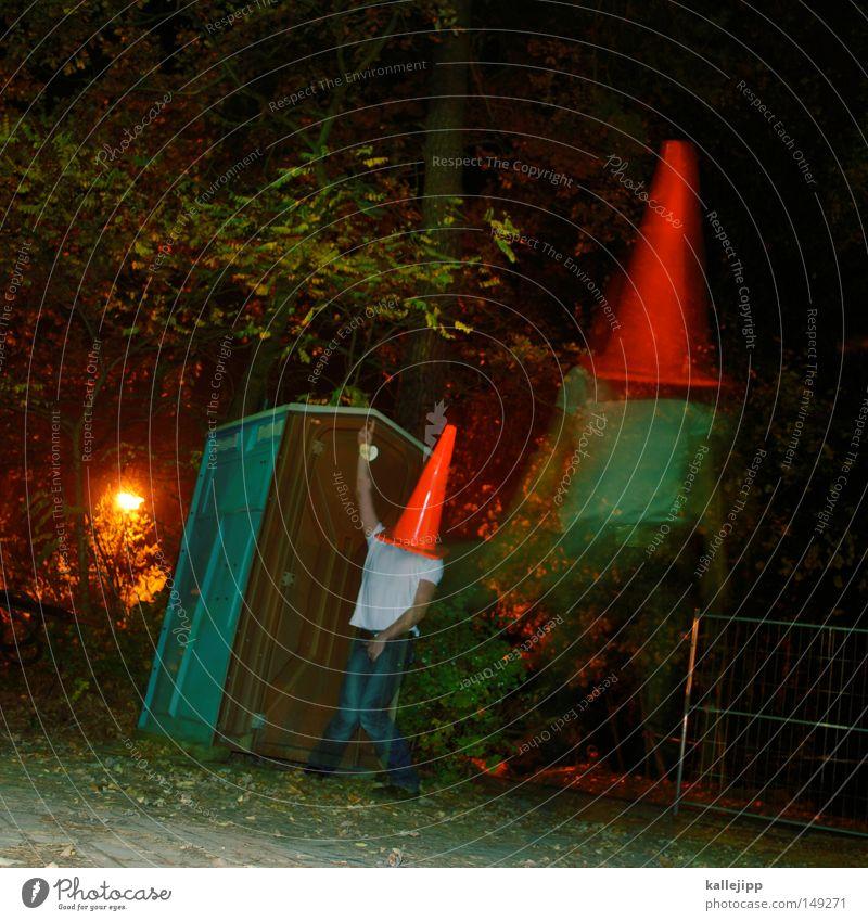 muss mal Mann Mensch Dach Stuhlgang urinieren besetzen Miettoilette Baustelle klein groß Humor lachen Kunst Silhouette Pilzhut Kopfbedeckung rot Hut Spielen