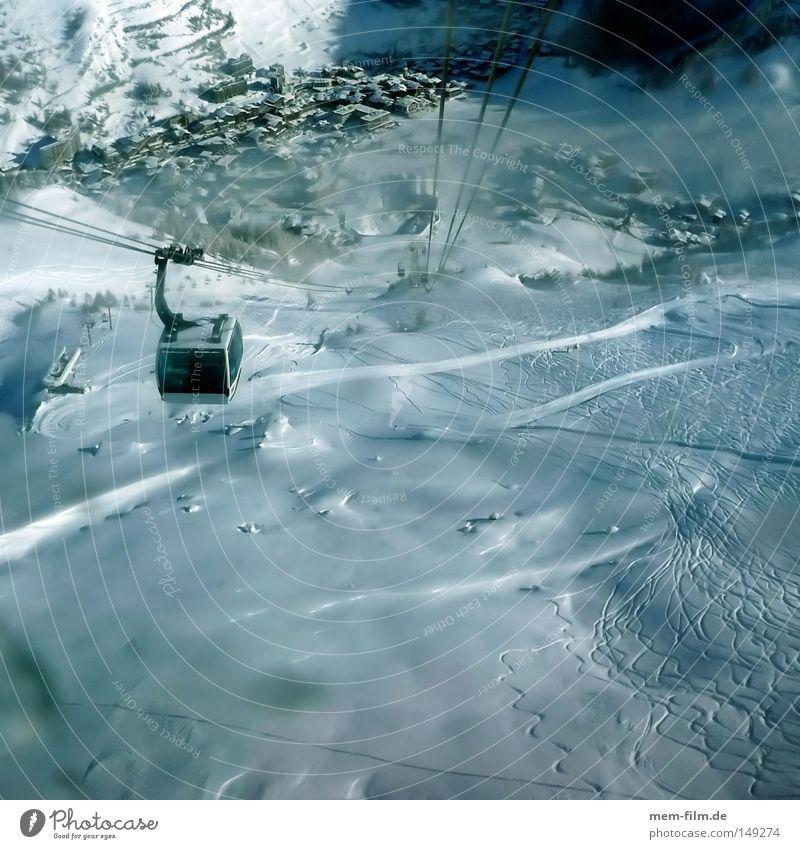 keine Höhenangst Gondellift Seilbahn Skigebiet Val d'Isere Frankreich Alpen Luft Schweben Wintersport Sport Verkehrsmittel hoch Berge u. Gebirge Personenverkehr