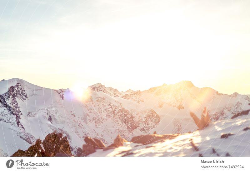 Sonnenberge 2 Umwelt Natur Landschaft Himmel Wolkenloser Himmel Sonnenaufgang Sonnenuntergang Sonnenlicht Winter Schönes Wetter Schnee Hügel Felsen Alpen