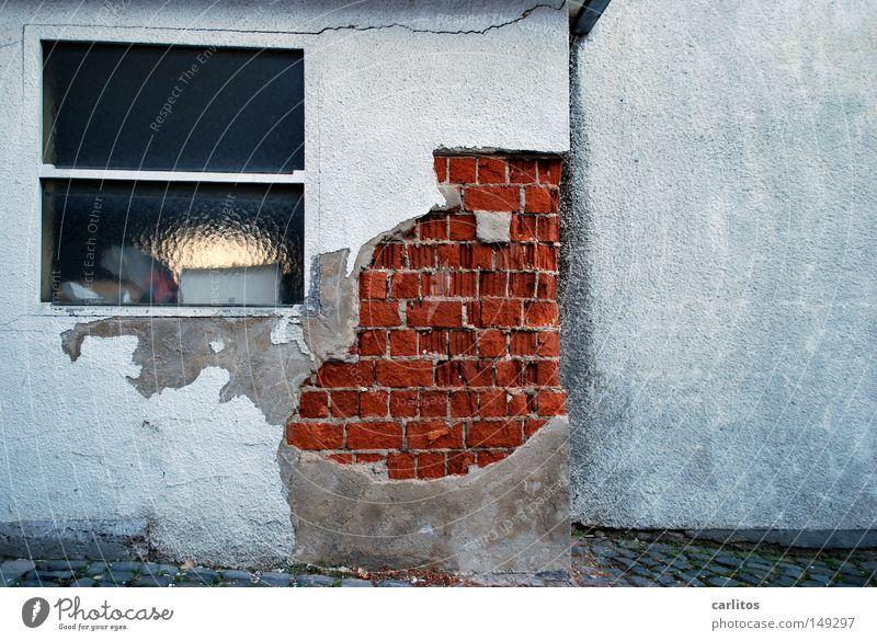 180° Ferne Wand KFZ fahren Vergänglichkeit Wut verfallen Backstein Verfall Parkplatz parken Ärger Putz Schaden Fahrschule