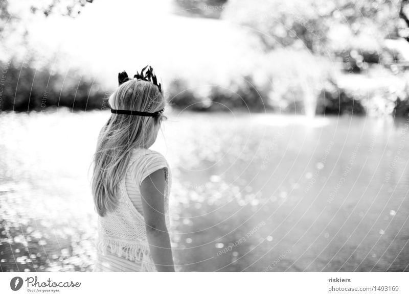 Pocahontas Mensch Kind Natur Sommer Sonne Erholung ruhig Mädchen Umwelt natürlich See träumen glänzend Park Zufriedenheit leuchten