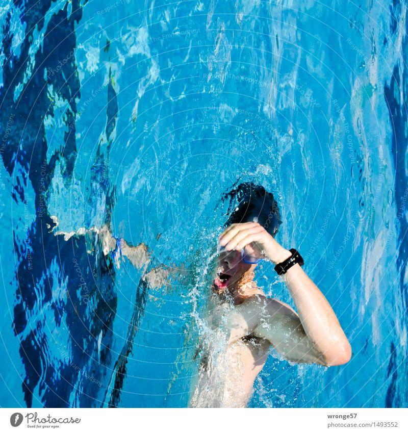 Zeitreisender Fitness Sport Sport-Training Triathlon Schwimmsport Schwimmbad maskulin Junger Mann Jugendliche 1 Mensch 18-30 Jahre Erwachsene Schwimmen & Baden