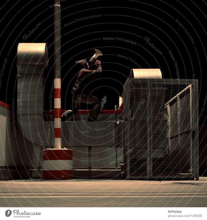 cry wolf Mann Mensch Laterne Markt Handel sprechen Konzert springen Megaphon Schall laut Marketing Lautstärke Warnhinweis Warnung Hinweisschild Werbung Radio