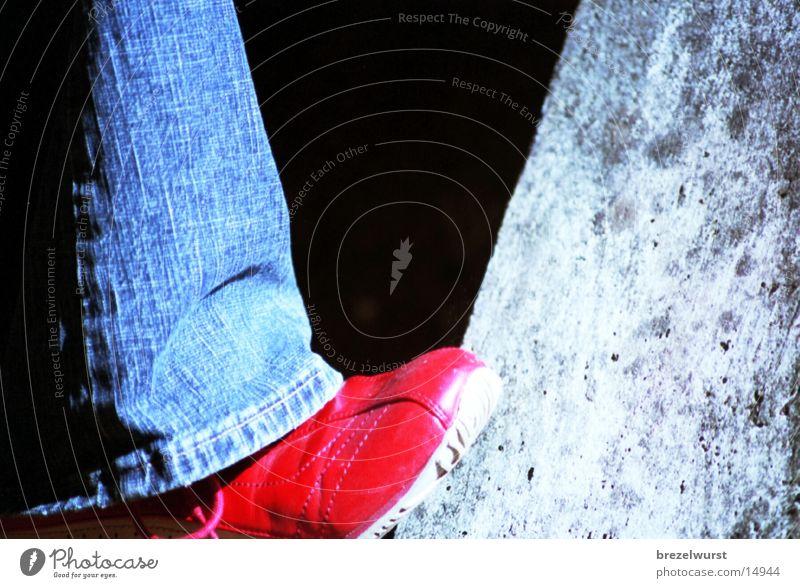Roter Schuh rot Mädchen Fuß Schuhe Dinge Turnschuh