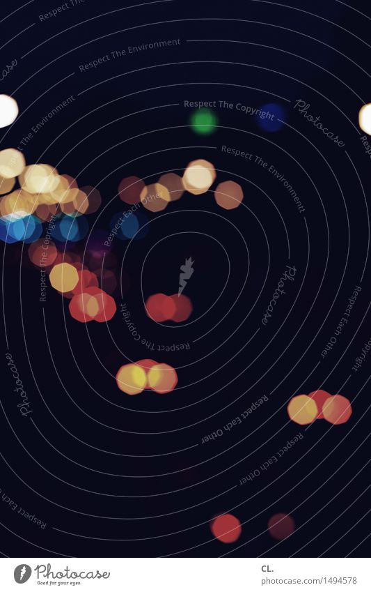 lichter Verkehr Verkehrsmittel Straßenverkehr Autofahren ästhetisch dunkel mehrfarbig Farbe Licht Unschärfe Kreis rund Farbfoto Außenaufnahme abstrakt