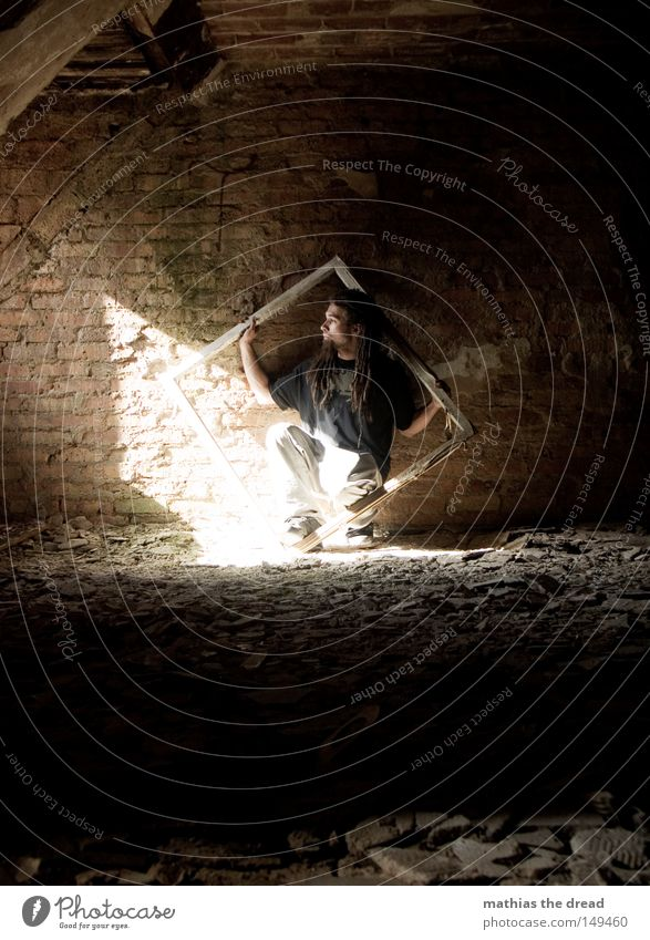LAST ONE Mann alt weiß schön Sonne Einsamkeit ruhig Fenster dunkel Tod Wand Wärme Mauer Gebäude lustig Denken