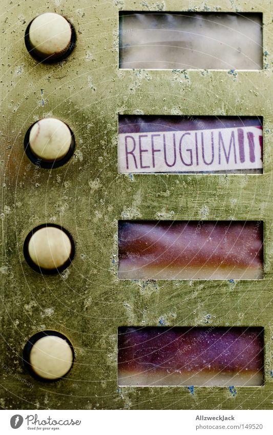 2.OG Refugium Schriftzeichen Buchstaben Klingel Versteck Namensschild Zufluchtsort
