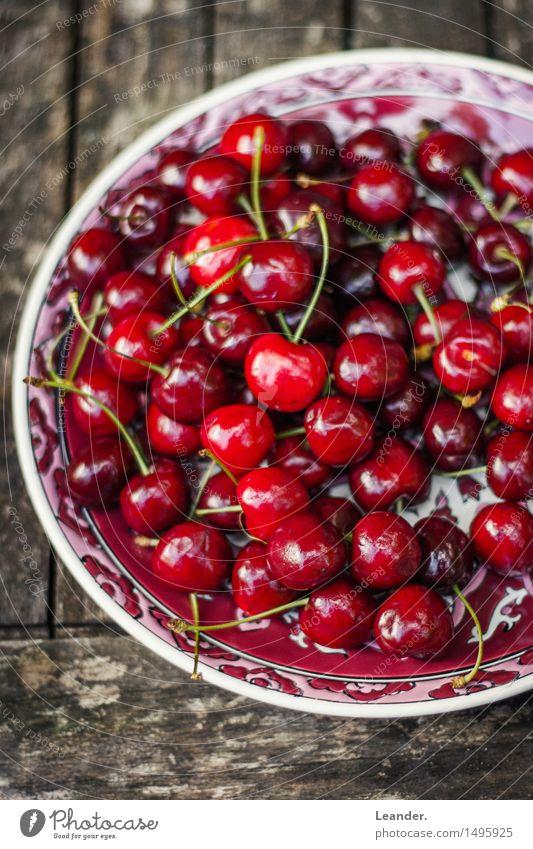 Kirschteller Natur rot schwarz Essen Foodfotografie Garten braun Stimmung Frucht Park Ernährung süß lecker Dienstleistungsgewerbe Dessert Teller