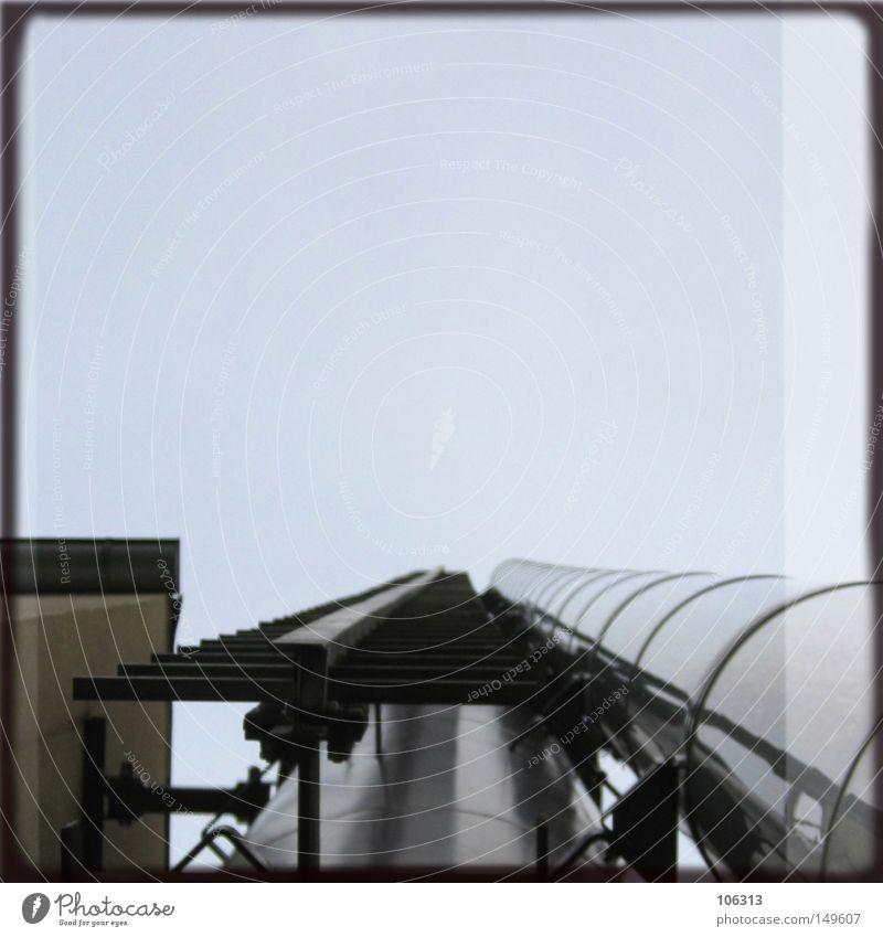 My I and Hasselblad Imaginary [Dresden-Neustadt] Himmel blau oben Metall Industrie Industriefotografie Metallwaren verfallen Leiter aufsteigen Kletterhilfe