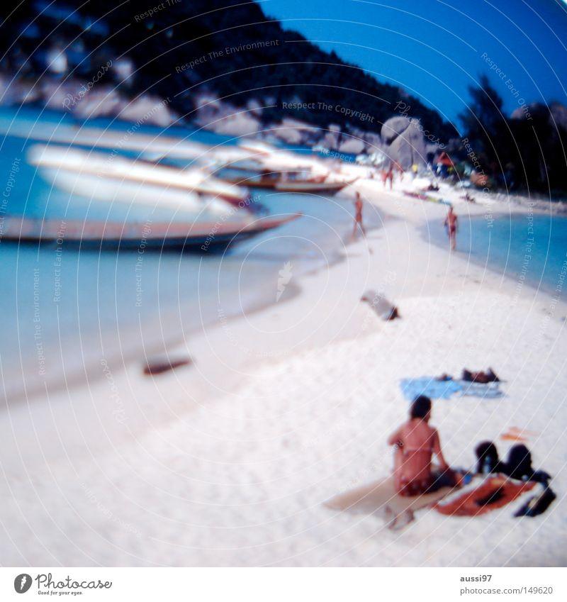 Relaxin' at Mirror beach Strand Sommer Sonne Ferien & Urlaub & Reisen Fischerboot tauchen Küste Himmelskörper & Weltall 2 Strände Unschärfe weißer sand