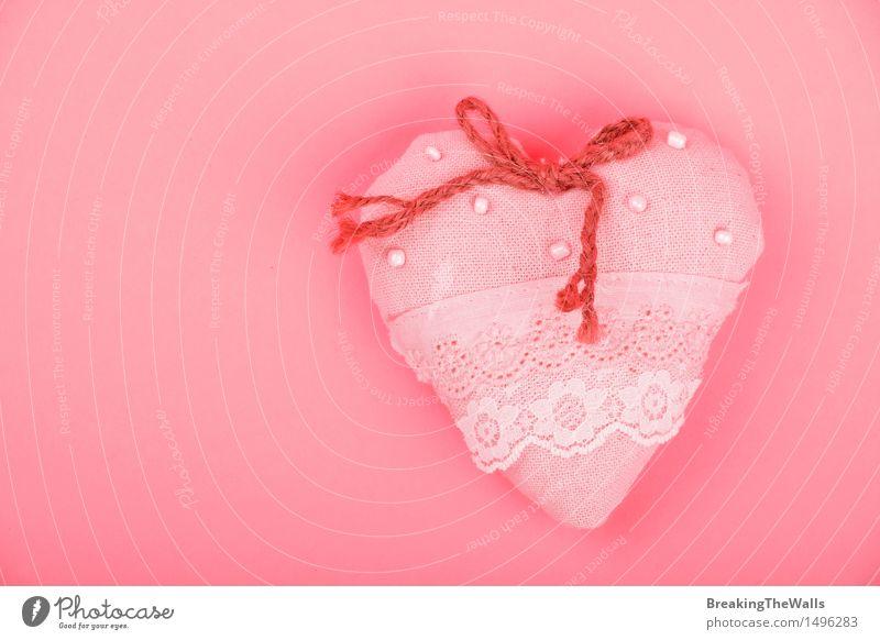 Handgemachtes rosa Herz mit Jutefaser beugen auf Papierhintergrund rot Liebe natürlich Feste & Feiern Zusammensein Dekoration & Verzierung Geburtstag