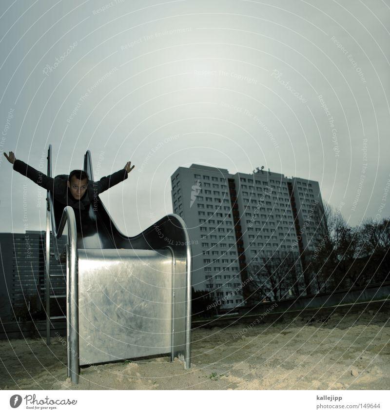 kontrollierter absturz Mann Mensch Hochhaus Rutsche Spielplatz Sand Sandkasten Blech Aluminium fliegen Fliege Angelrute Vogel Überflug Spieltrieb Leiter