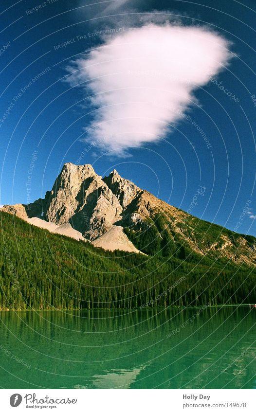 Rauchzeichen? Wasser Himmel Baum grün blau Wolken Wald Berge u. Gebirge See Mitte Amerika Kanada Seeufer Kanu Glätte Nationalpark