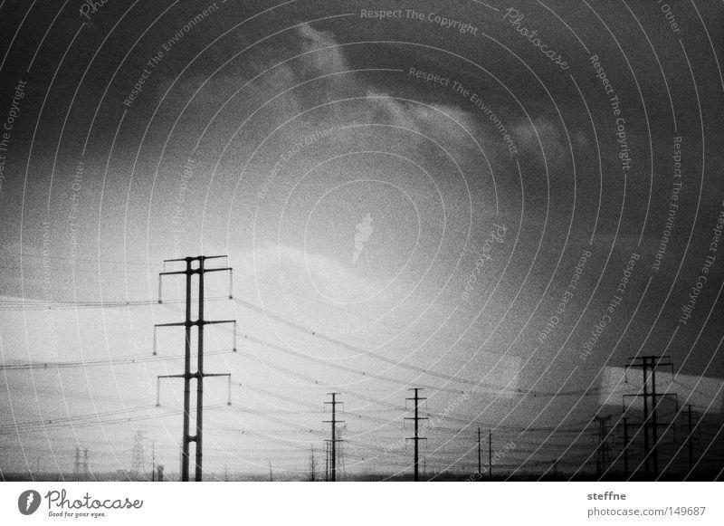 Energiehunger Wolken Umwelt Industrie Energiewirtschaft Elektrizität Ende Telekommunikation Asien Strommast nachhaltig Stromkraftwerke dramatisch Koloss