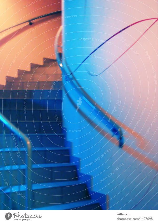 der große aufschwung blau rosa orange Treppe Perspektive Beginn Treppengeländer Karriere aufwärts aufsteigen Schwung Pastellton schwungvoll Aufschwung