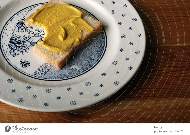 Hohenlohischer Honigsenfkrapfen Toastbrot Weißbrot Halbmond Frühstück duftig herzhaft Schneelandschaft Teller Dekoration & Verzierung Winter Stern (Symbol)