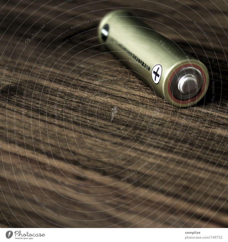 + plus Nahaufnahme Makroaufnahme Dachboden Energiewirtschaft Technik & Technologie Umwelt Holz Zeichen positiv Kraft Umweltverschmutzung Vergänglichkeit
